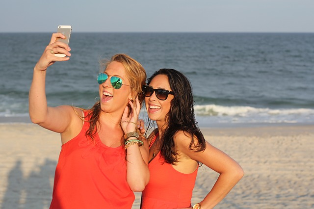 Why Renting A Cell Phone Abroad Can Be The Best Option On Vacation