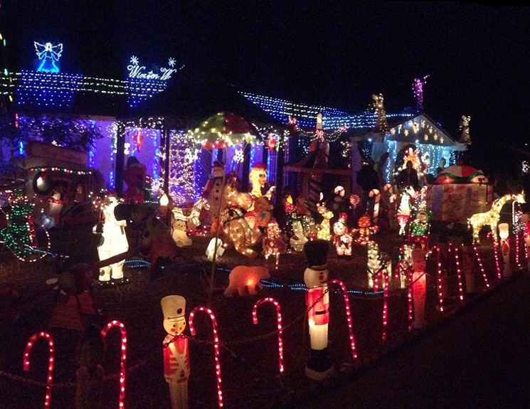 Holiday Light Tour around Phoenix - MUST Be Experienced