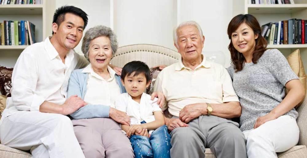 large-senior-living-family-visits