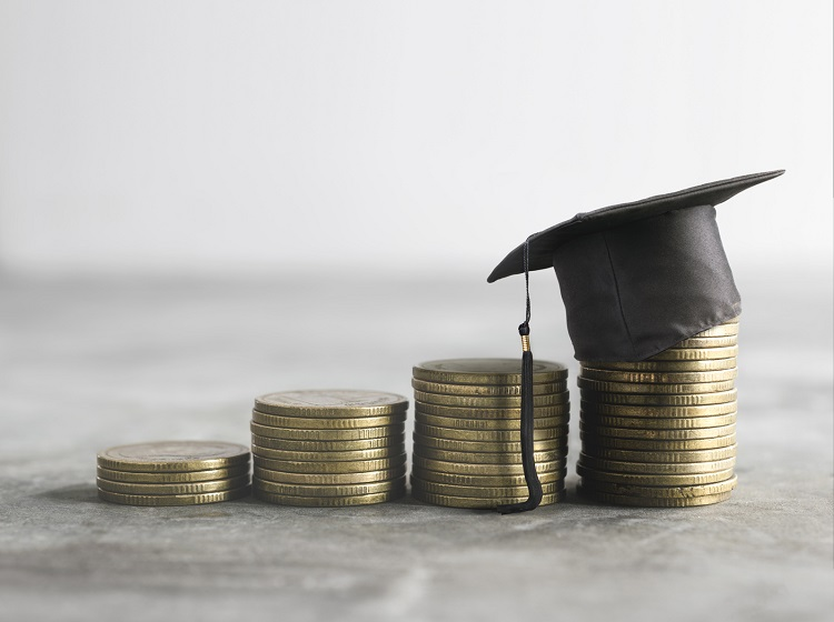 7 Questions to Ask When Refinancing Student Loans