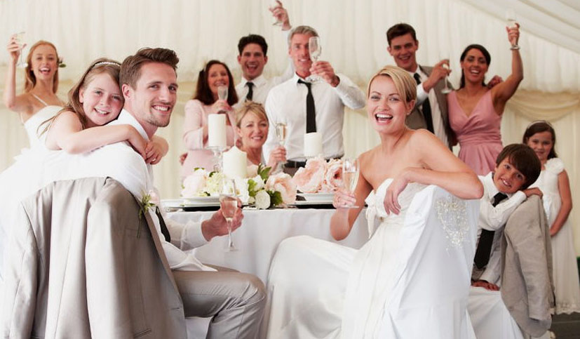 3 Reasons To Keep Your Wedding's Guest List Small