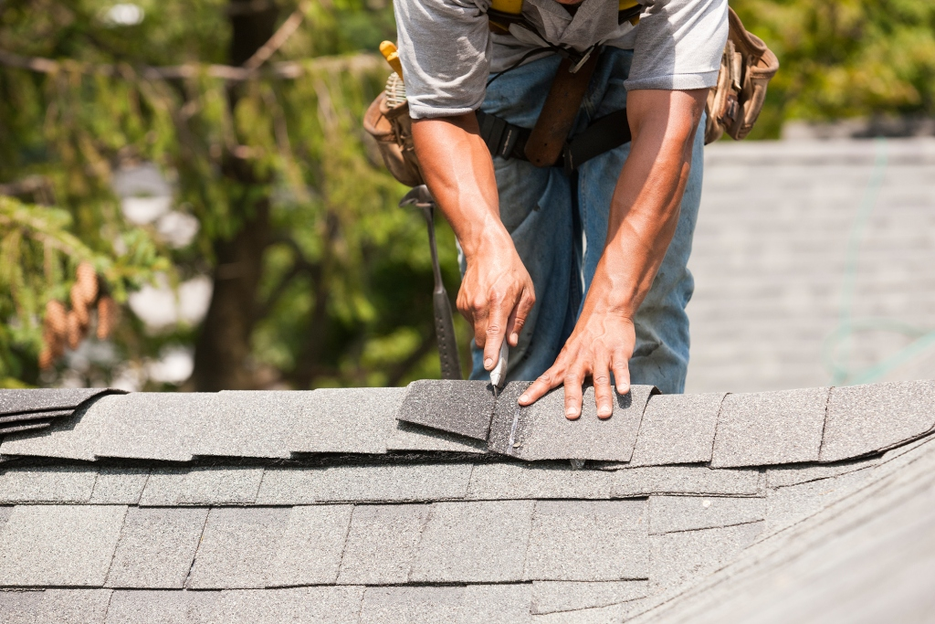 Finding The Right Roofers For Your Critical Times