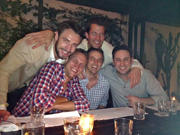 Awesome Ways To Have A Fun Evening Out With Friends