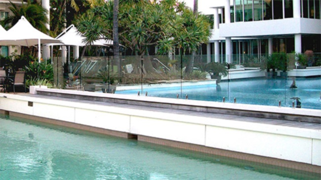 Secure Your Pool With Glass Pool Fencing and Their Advantages