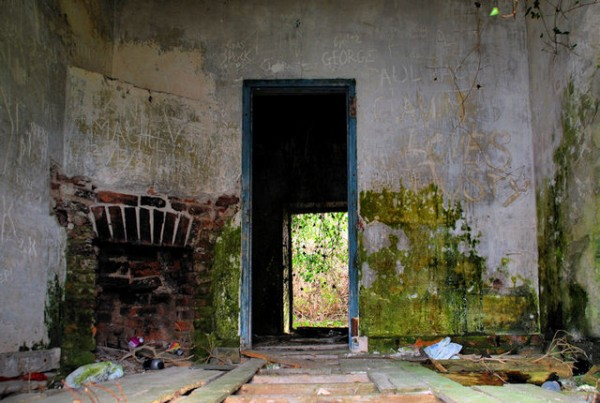 5 Safety Tips For Working On Old Buildings