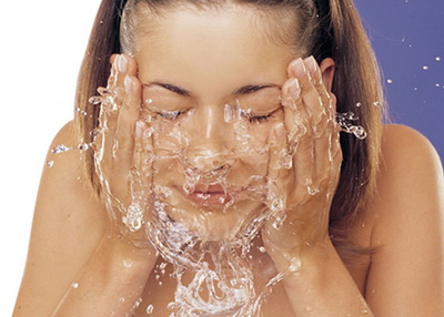 How-Do-You-Take-Care-of-Your-Skinmoisture