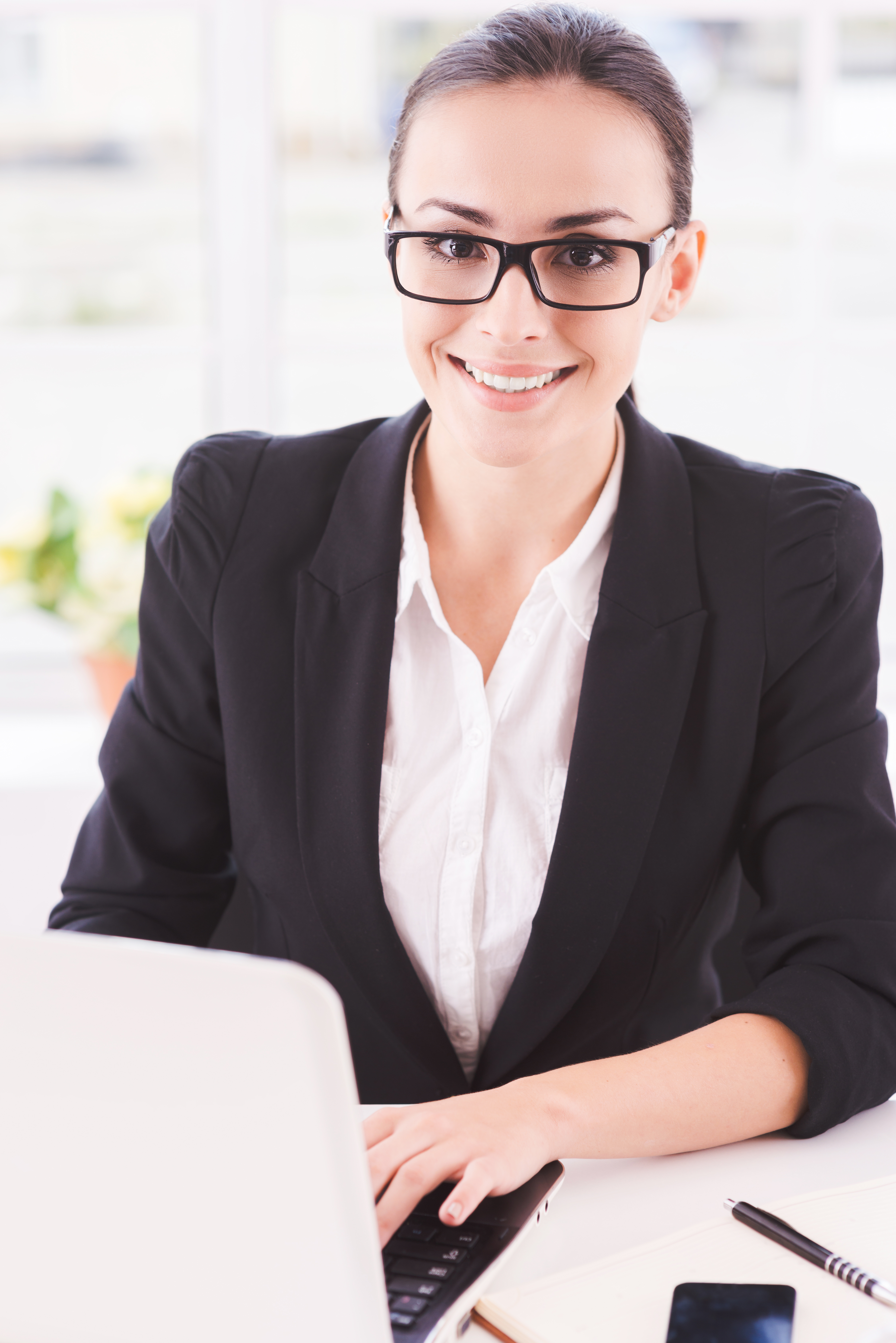 Designing and Developing Presentation Folders Online