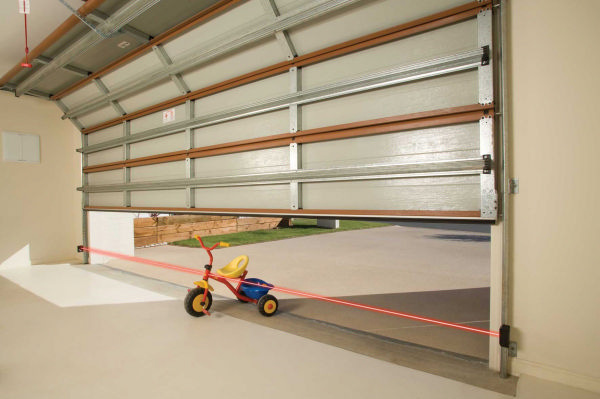 Risks Of Using An Old Garage Track With New Garage Door
