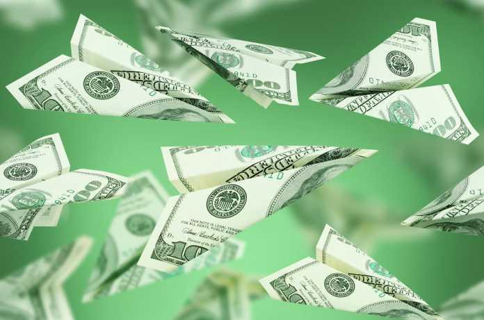 sending-money-dollars-remittances-696x461