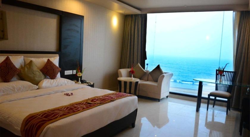 sea-facing-hotels-in-puri