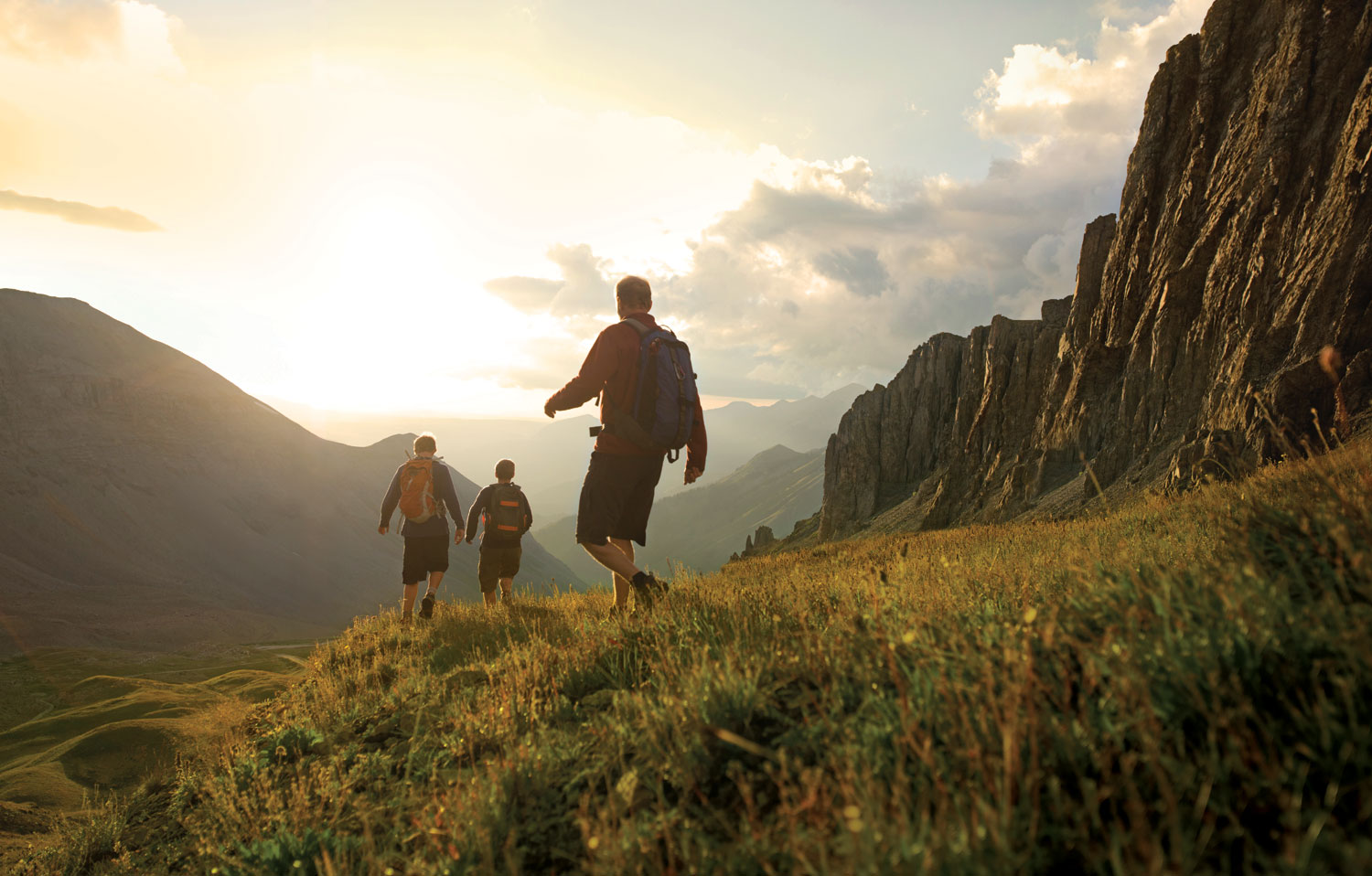 Cool Summer Camping & Hiking Tips For Beginners