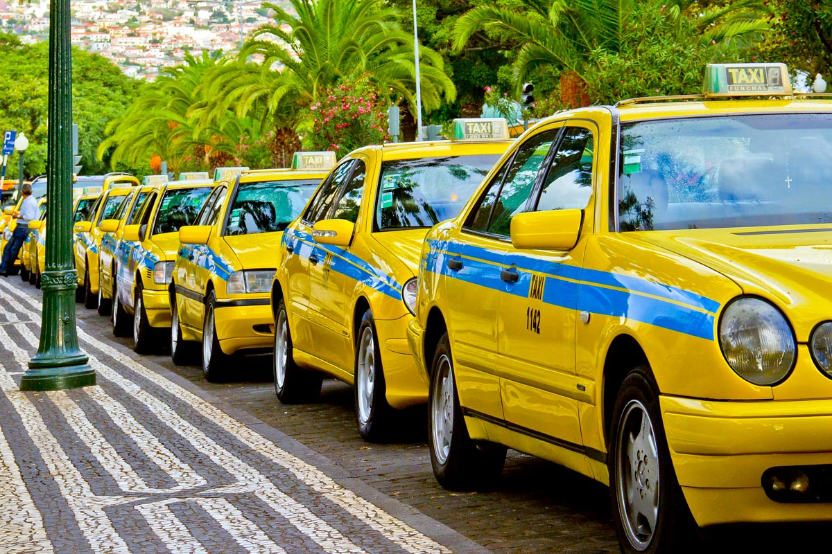 Know How To Pay For Airport Taxis