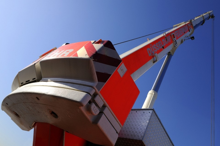 Boom Lifts - Safety Tips