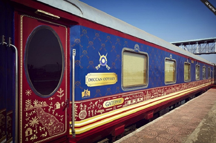 What Are The Facilities Of Deccan Odyssey Train?